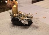 mini vianočný venies s jednou sviečkou